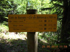 Le panneau signalant le col de Barrancq